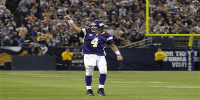 40-year old Brett Favre is playing some of the best football of his career and has lead the the Minnesota Vikings to a 6-0 start.