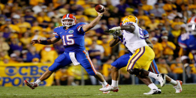 Tim Tebow makes a throw on the run in Florida's 13-3 win over LSU.